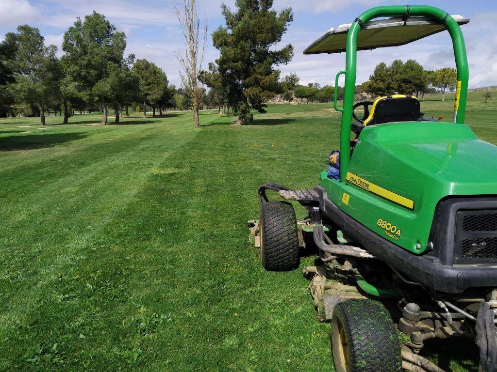 mantenimiento campo golf